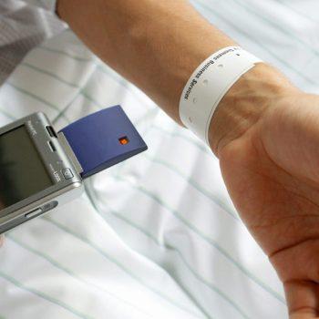 سیستم RFID در بیمارستان